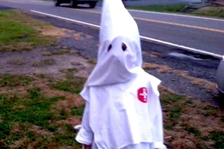Syv-årige Jackson Black vakte chok og forargelse, da han forleden troppede op til Halloween i dette kostume.