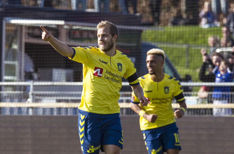 Finske Teemu Pukki scorede to mål i søndagens kamp mod Lyngby.