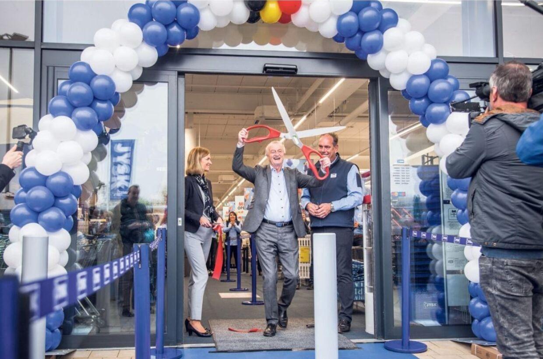 Lars Larsen har åbnet sin første butik i Belgien - Og Jysk-butik nummer 2448 i alt.