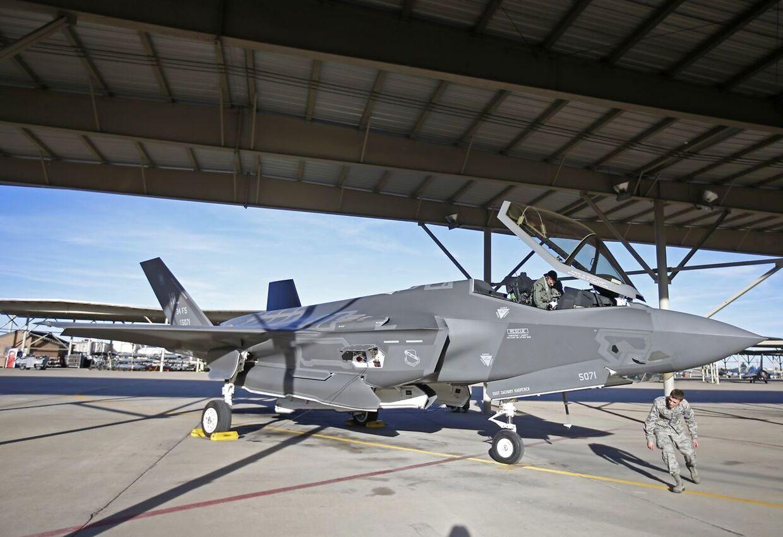 USA tester i øjeblikket F-35 kampfly, som kan give vesten en fordel en generation frem.