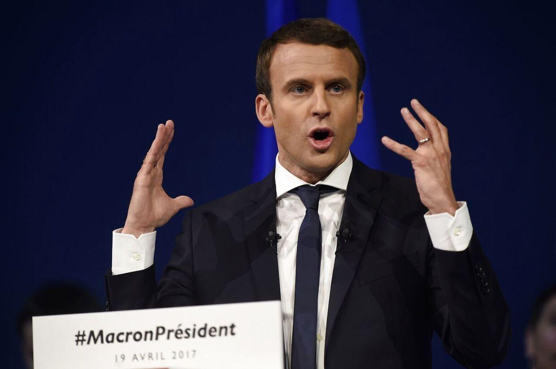 Emmanuel Macron ligger foran i kapløbet om at blive præsident.