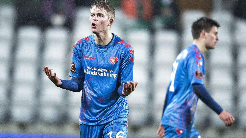 Her er AaBs Magnus Christensen i den blå trøje mod Viborg i løbet af foråret.