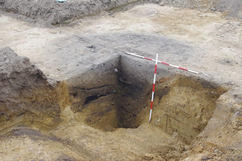 Lokum fundet på vikingeboplads på Stevns. Et dybt hul fyldt med menneskefæces er dukket op på en boplads fra vikingetiden. Fundet gør op med, hvad man hidtil har troet om vikingernes toiletvaner.