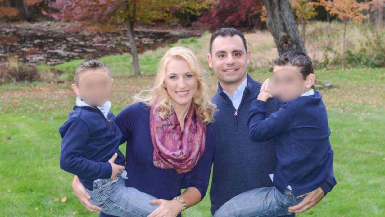 Connie og Richard Dabate med deres to børn.
