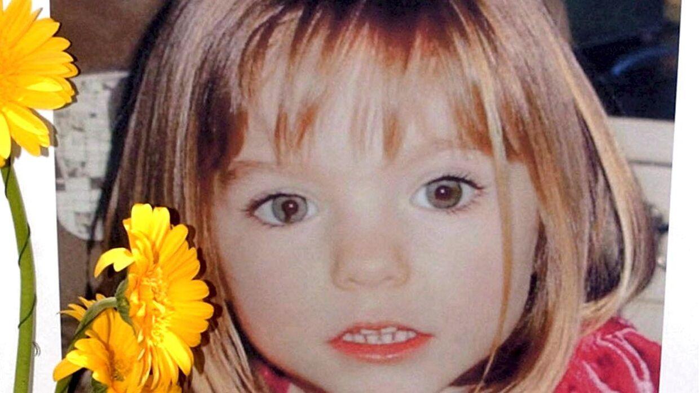 Britisk politi har efter sigende kig på en kvinde, som kan være nøglen til løsningen på mysteriet om den forsvundne Madeleine McCann.
