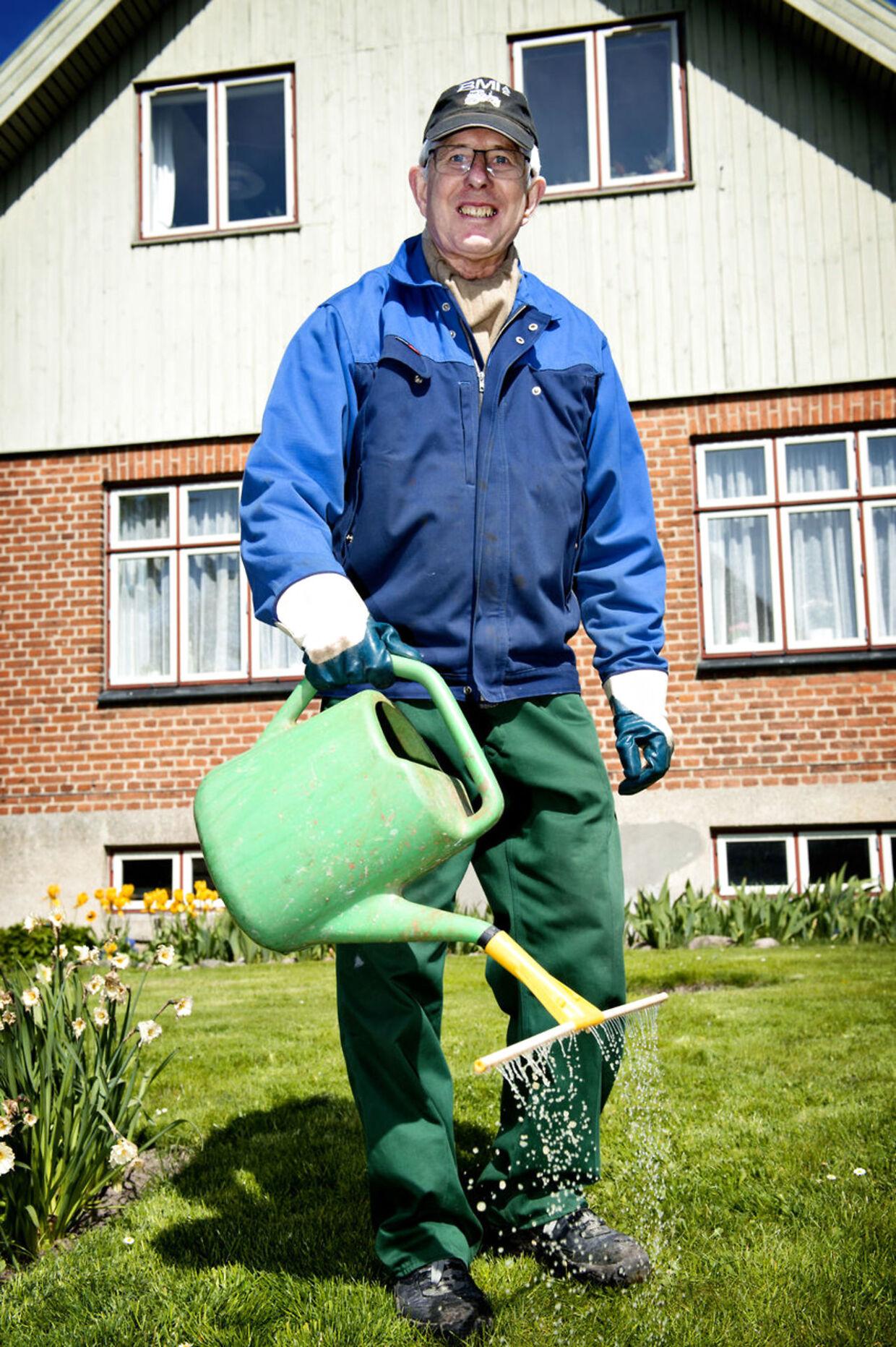Alex Eriksen, pensionist og boligejer i Vanløse: »Jeg ser ikke så sort på det. Vi må alle bidrage, og det er ikke så slemt. Vi får meget for den skat vi betaler.« (Foto: Nils Meilvang)