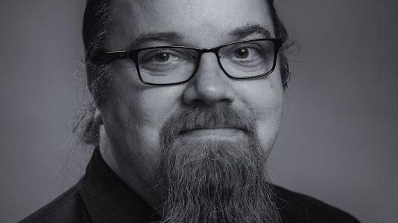 Simon Nielsen Ørregaard, formand for Eftertro revser Naser Khader for at kalde ham uvidne.