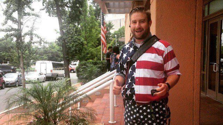 Den 27-årige Seth Rich blev skudt og dræbt i juli 2016. Han arbejdede for Demokraterne. Siden er hans død blevet kædet sammen med afsløringer fra Hillary Clintons kampagne.