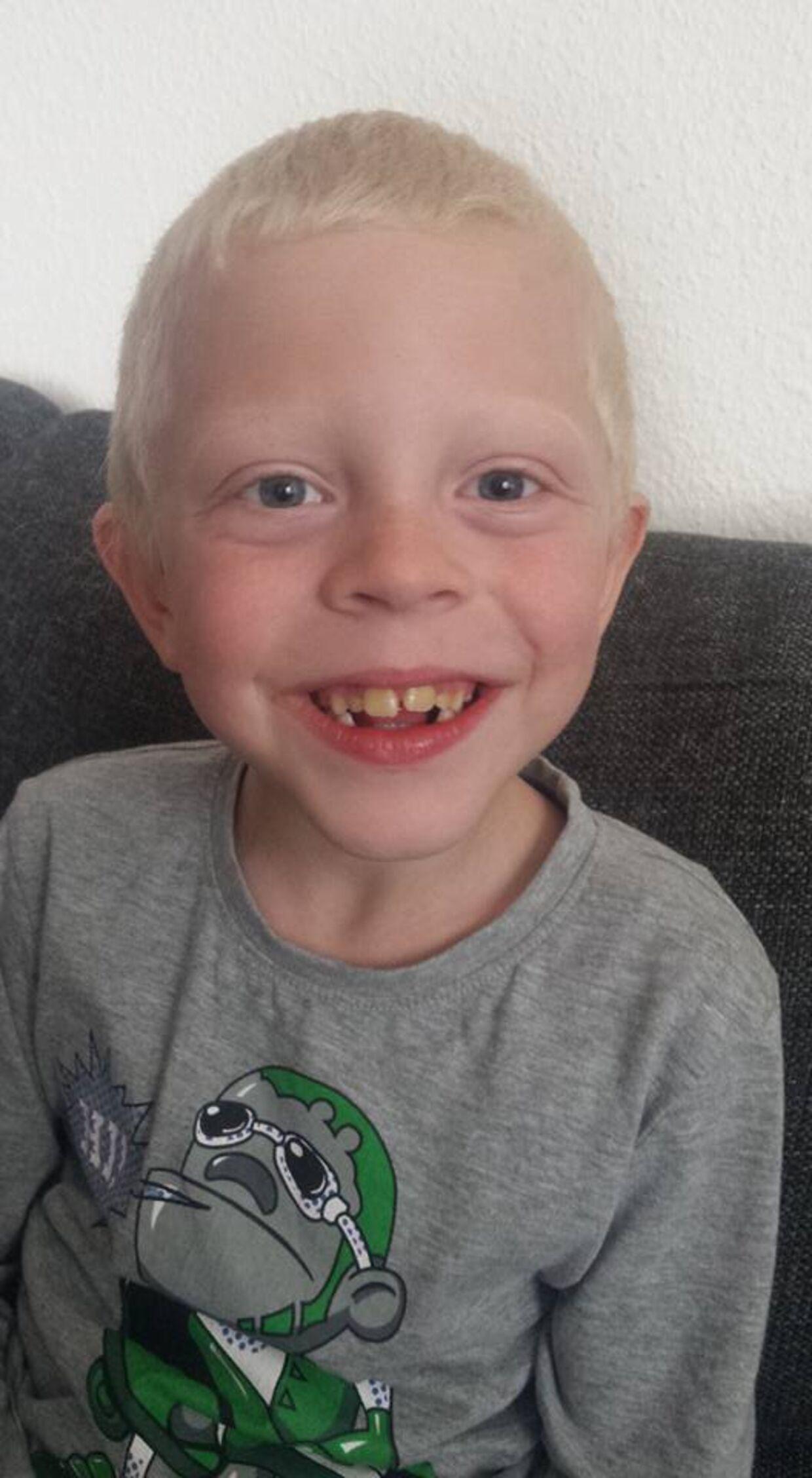 Jonas Esbjerg Krogh er syv år og har ingen venner på trods af utallige forsøg på at få nogen.