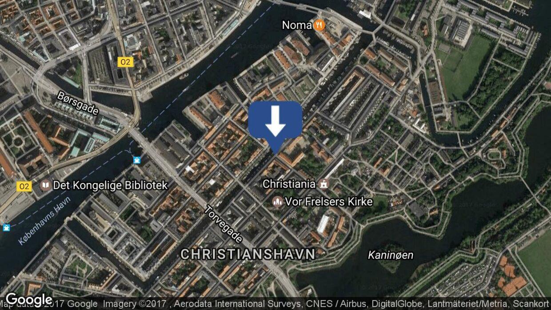 To mænd er onsdag aften blevet stukket med kniv tæt ved Christiania i København.