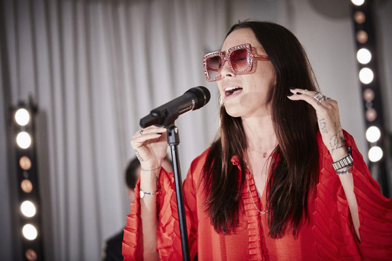 Medina gav onsdag aften en intimkoncert for fans på Hotel Avenue i København.
