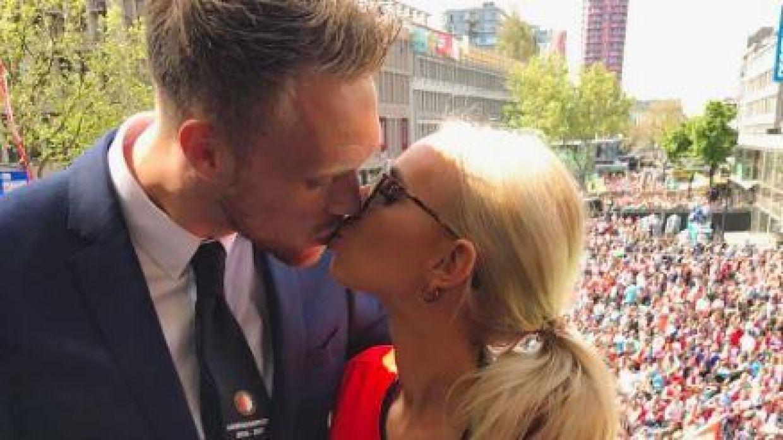 Nicolai Jørgensen har taget den hollandske Æresdivision med storm, og på privatfronten går det også glimrende for den danske landsholdsangriber. Lørdag blev han gift med Theresa Kofoed, som han har dannet par med i flere år.