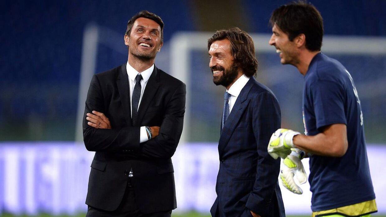 Den 48-årige AC Milan-legende Paolo Maldini (tv.) har kvalificeret sig til en stor tennisturnering i Milano.