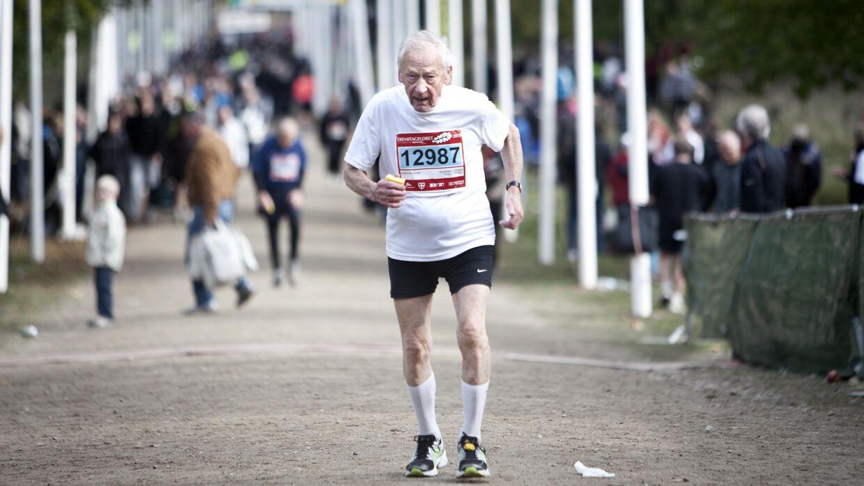 44 gange har 95-årige Vilhelm Schomacker gennemført Eremitageløbet, men nu har en dårlig akillessene sat punktum på deltagelse i motionsfesten i Dyrehaven.