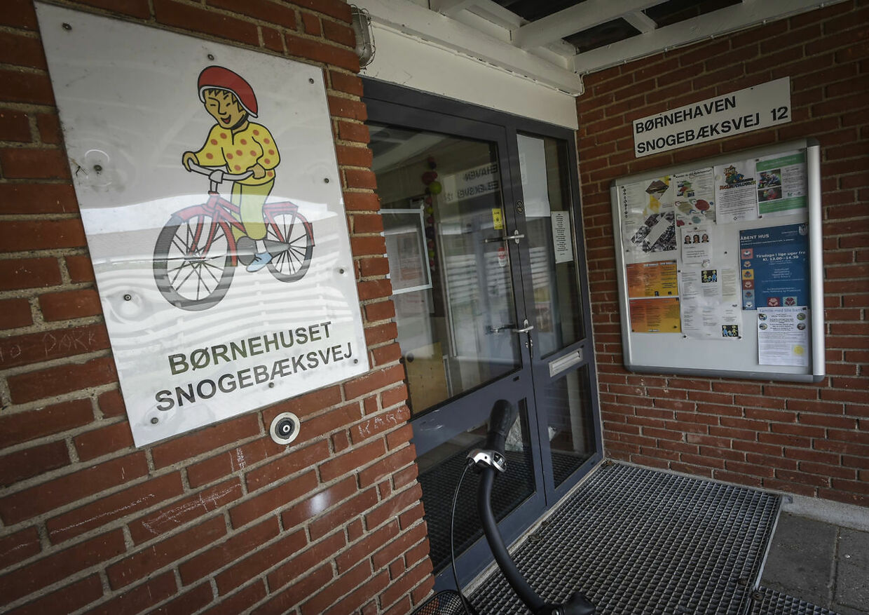 En 33-årig mand er sigtet for at have fjernet en 4-årig pige fra daginstitutionen onsdag derefter taget hende med til Trillegårdsvej, som også ligger i Aarhus V, hvor han angiveligt har misbrugt hende. (Foto: Kim Haugaard/Scanpix 2017)