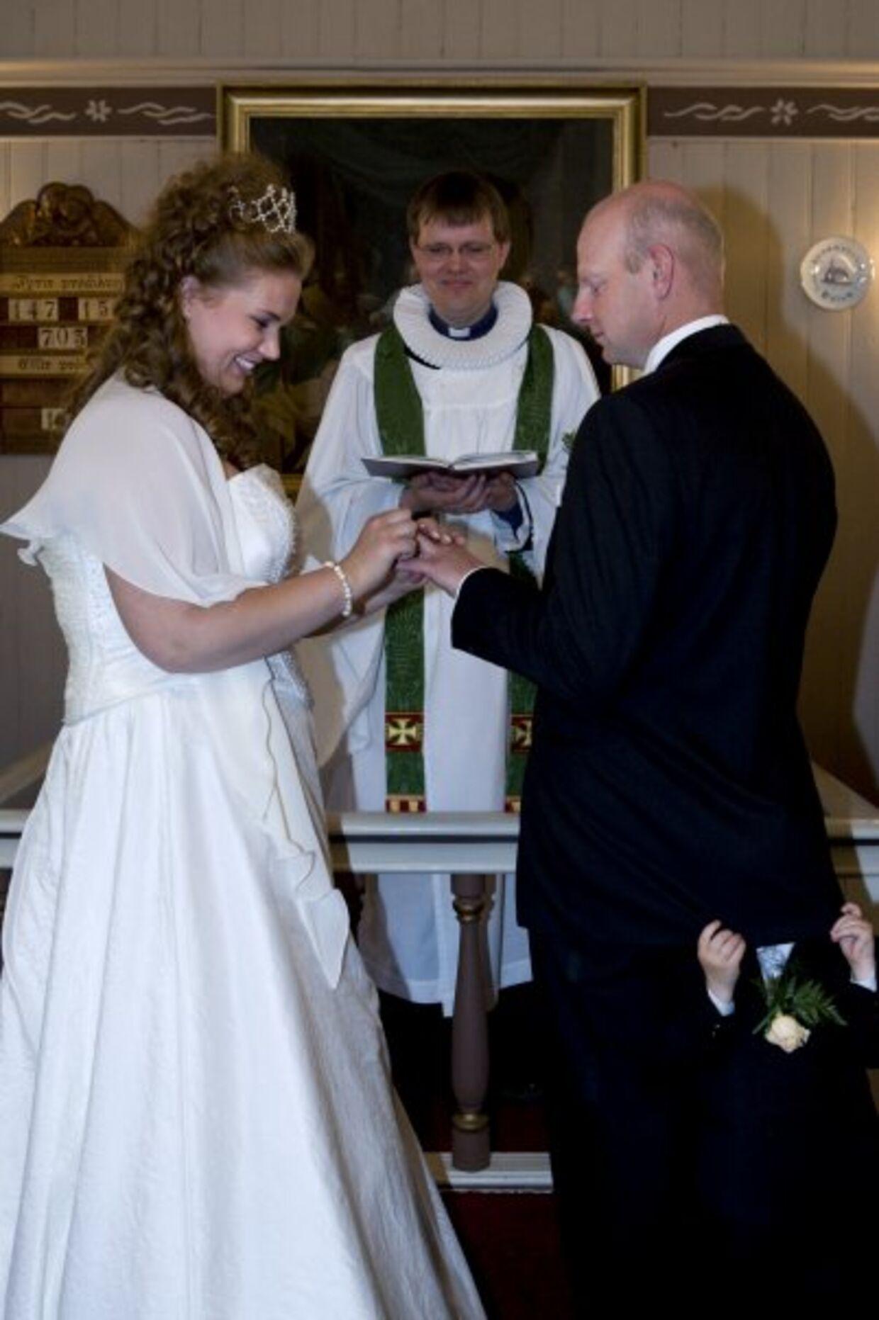Hjalti og Rebecca blev gift i 2009