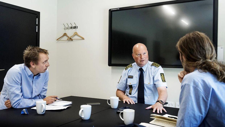 Politiinspektør, Kim Kliver, under interview med BT.