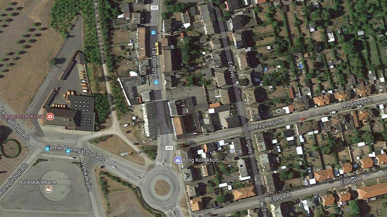 Tårnborgvej, som løber hele vejen fra Korsør Station ind mod Korsør centrum, er en af de tre veje, som Emilie kunne have gået for at komme hjem til sit hus fra stationen.