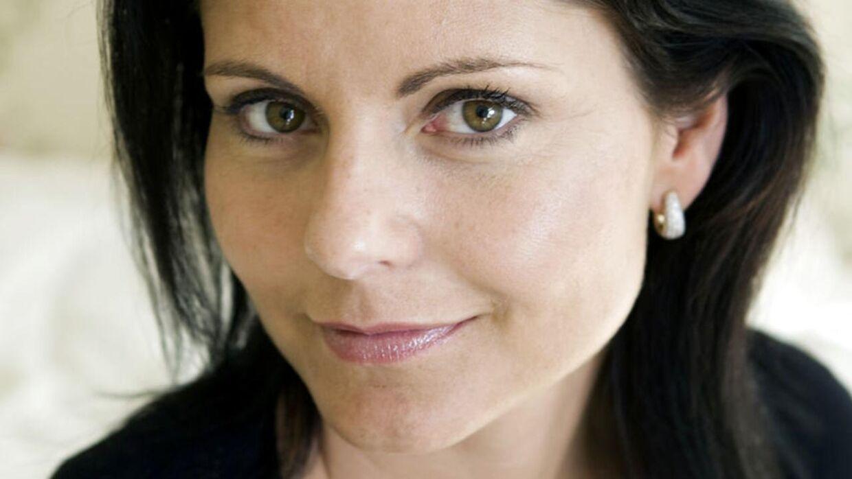 Maria Hirse kommer med bog, der handler om pædofili.