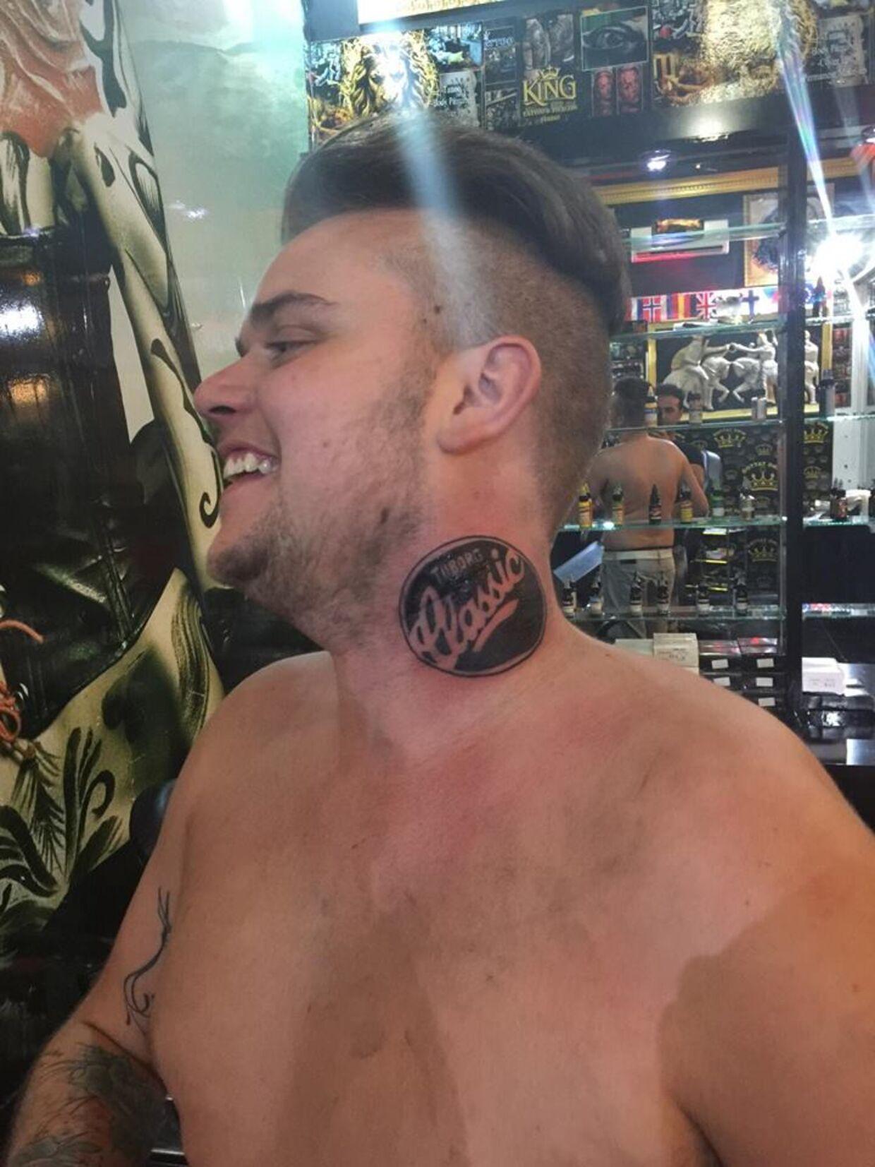 hals tatovering
