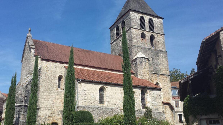 MIddelalderkirken i byen Saint-Vincent-Rive-d'Olt