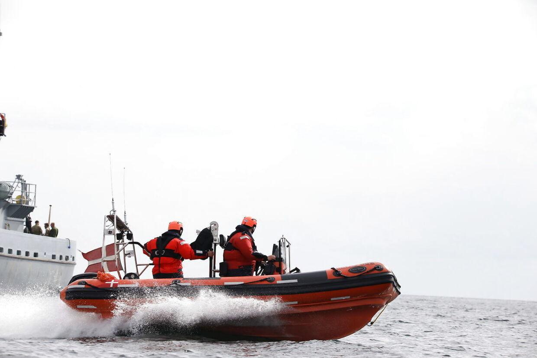 Formodet eftersøgning af forsvundet kvinde i forbindelse med, at den danske opfinder Peter Madsens ubåd 'Nautilus' sank i Øresund.