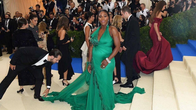 Serena Williams (grøn kjole) glæder sig til at føde - men hun kom med en lidt uheldig udtalelse i forbindelse med sin graviditet.