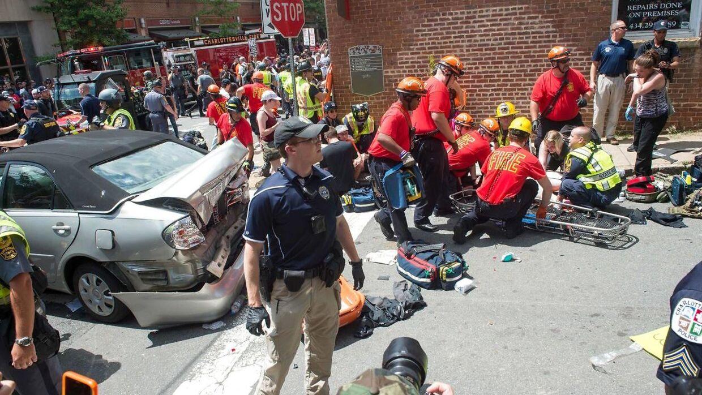 Flere personer er meldt skadet.