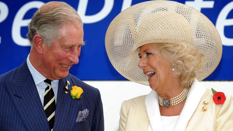 I dag er prins Charles gift med Camilla, som han lærte at kende, før han mødte Diana.