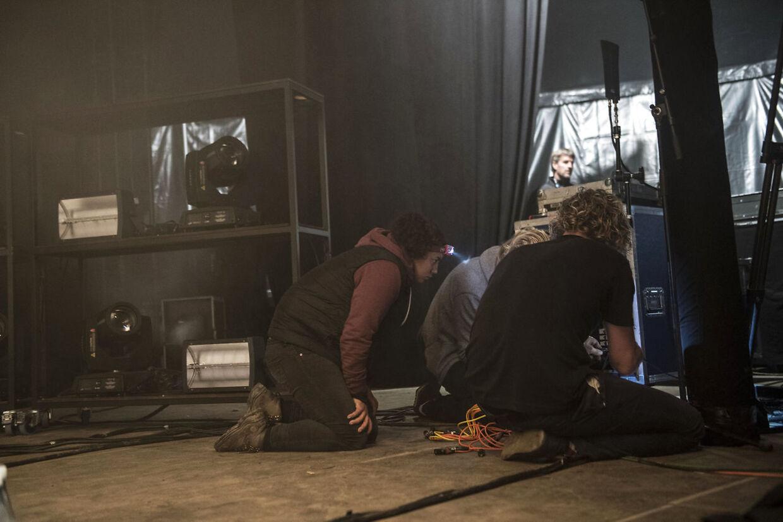 Saveus måtte lørdag aften aflyse deres koncert efter blot to numre pga. tekniske problemer. Saveus spillede i P3 teltet på Smukfest.