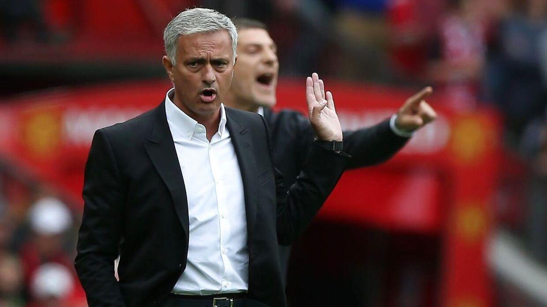 Jose Mourinho stod i spidsen for sæsonens første Premier League-kamp søndag.