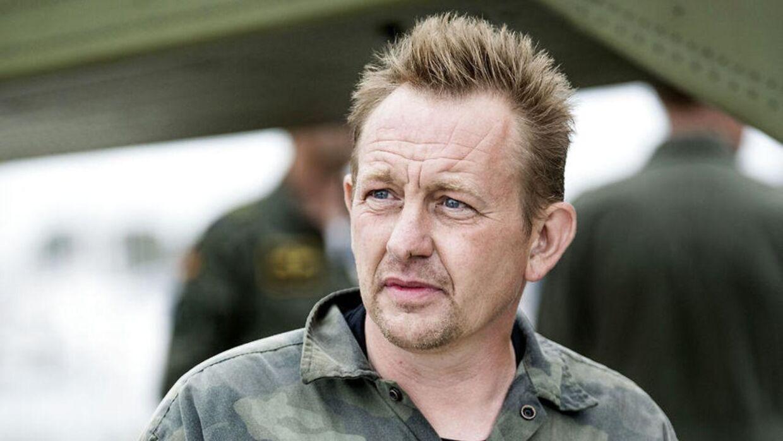 Peter Madsen kom sikkert i land i Dragør Havn om formiddagen fredag den. 11 august, hvor hans ubåd kort forinden sank. På dette tidspunkt var svenske Kim Wall forsvundet.