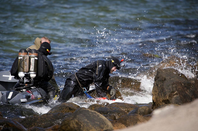 Eftersøgning med dykkere ved kysten på Vestamager.