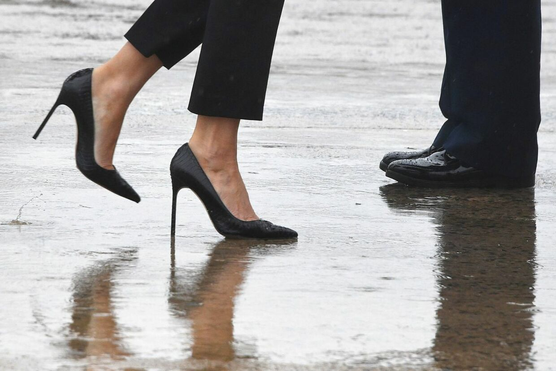 En fotografen valgte blandt andet at fokusere på førstedamens fodtøj på vej ind i 'Marine One'