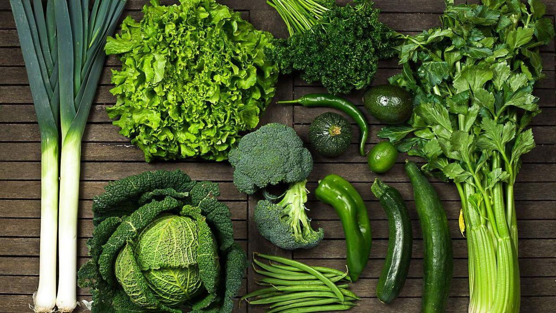 Grøntsager som f.eks. pore, broccoli og kål, hvor kulhydratetet er pakket godt ind i plantefibre, giver stort set ingen stigning i blodsukkeret. Derfor er mange grøntsager et godt udgangspunkt for et stabilt blodsukker.