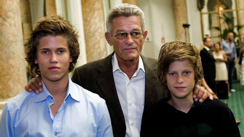 Forfatter skrev bog om Zobel: Han ville erklære sin kærlighed til sine børn | BT Danmark - www.bt.dk
