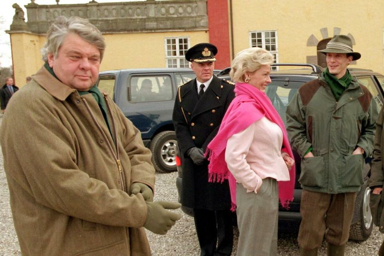 Christian Kjær (forrest) og Molise Iuel-Brockdorff har været livslange venner med Peter Zobel. Her ses de ved en jagt, hvor også prins Joachim deltog.