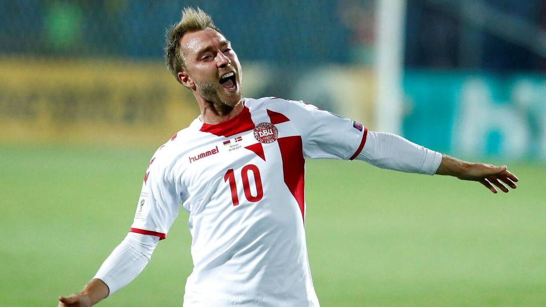 Christian Eriksen fejrer sin scoring mod Armenien.
