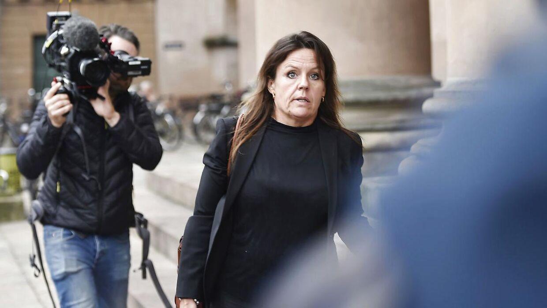 Forsvarsadvokat Betina Hald Engmark, som er forsvarer for Peter Madsen, foran Københavns Byret,