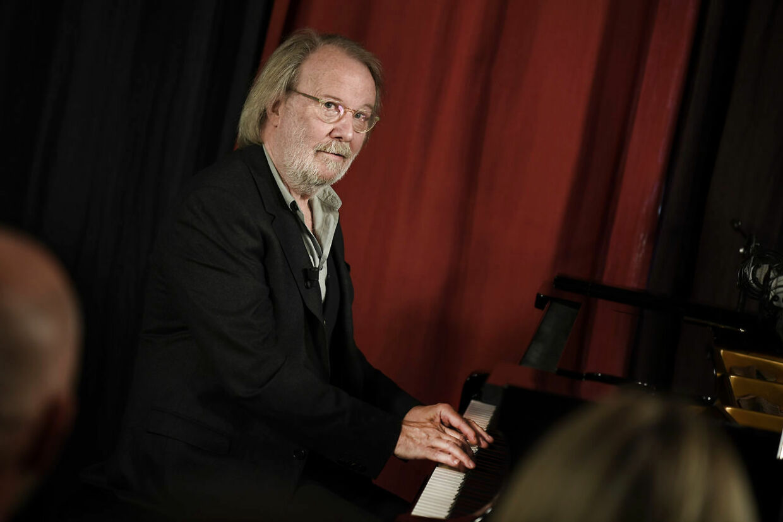 Benny Andersson ved pianoet, hvor hans nye album er indspillet.