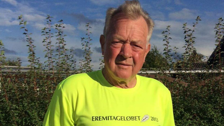 Ole Aarup Iversen har løbet i sin 45 års jubilæumstrøje siden 2013. Nu skal han være med i Dyrehaven for 49. gang – og næste år venter 50 års jubilæet i nationalskoven. Foto: Privat