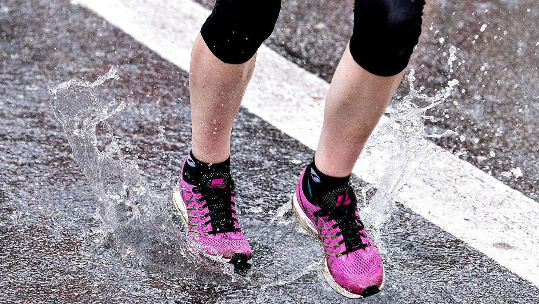 Søndag d. 17. september 2017 blev der løbet Copenhagen Half Marathon 2017. Mere end 20.000 deltog, men hurtigste løber blev Abraham Cheroben i tiden 58.40. Løbet blev aflyst midtvejs aflyst på grund af farligt vejr- blandt andet blev tre løbere lettere såret af et lyn. (Foto: Bax Lindhardt/Scanpix 2017)