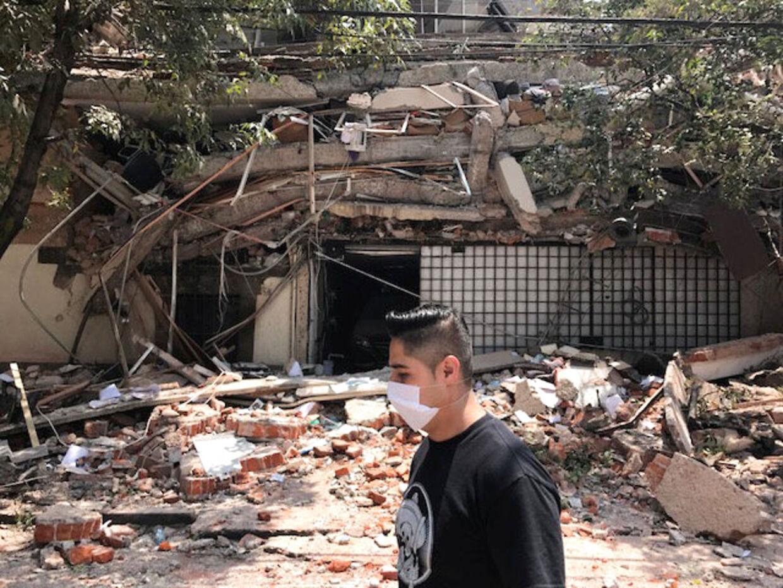 Massive ødelæggelser i Mexico City efter voldsomt jordskælv.