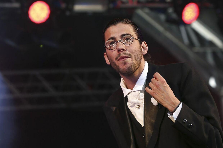 Den portugisiske sanger Salvador Sobral venter på en donor, så han kan få et nyt hjerte.