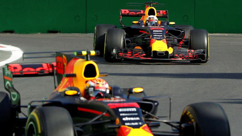 Daniel Ricciardo (bagerst) og Max Verstappen skal køre for et 'nyt' hold.