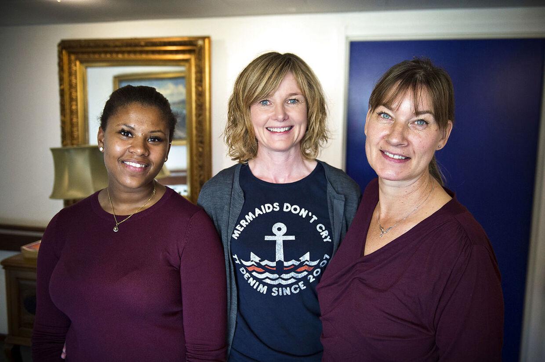 SOSU-medhjælper Isabell Jammeh, projektkoordinater og fysioterapeut Christina Kjærside og tovholder, SOSU-medhjælper Marianne Nielsen oplever alle tre, at stemningen omkring den obligatoriske træning er positiv.