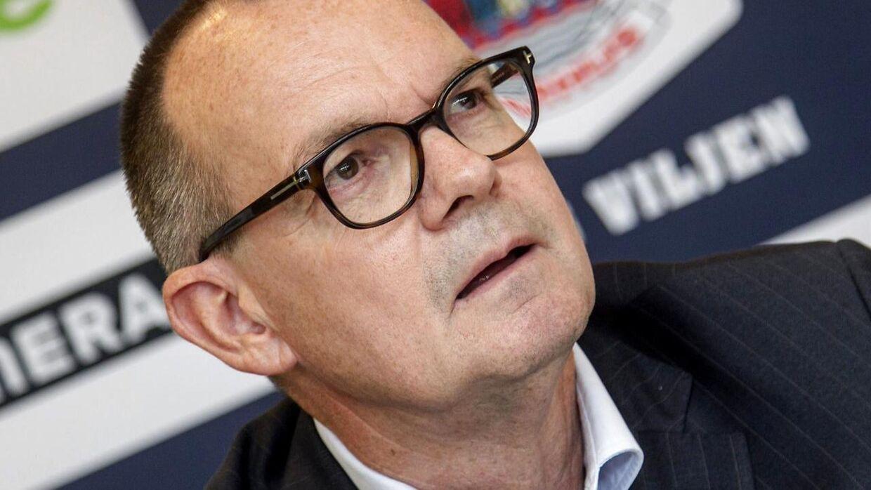 På et pressemøde i NRGI Arena blev Morten Wieghorst i dag præsenteret som ny træner i AGF. På billedet formanden Lars Fournais. (Foto: Kim Haugaard/Scanpix 2014)