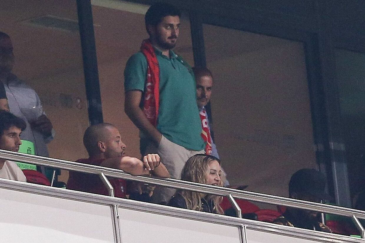 epa06257643 US pop star Madonna watching the Russia 2018 World Cup qualifier match Portugal vs Switzerland at Luz Stadium in Lisbon, Portugal, 10 October 2017. EPA/MIGUEL A. LOPES