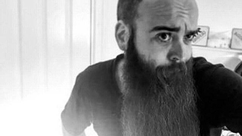 Gil Valleriu var kendt i skæg-miljøet, hvor han flere gange havde deltaget i vm i skæg.