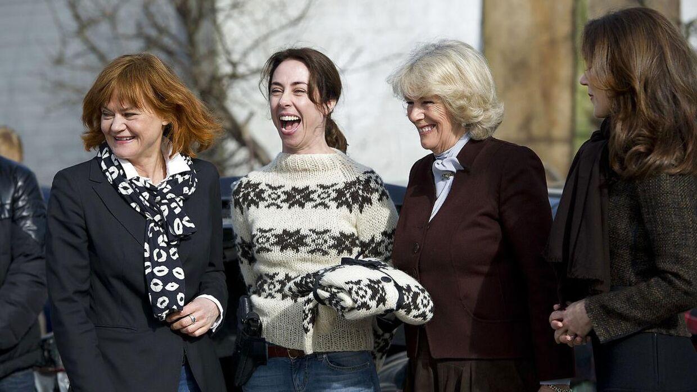 Piv bernth stopper som dramachef hos DR. Her er hun sammen med Camilla, Hertuginden af Cornwall, kronprinsesse Mary og skuespiller Sofie Gråbøl i 'Sara Lund sweater'.